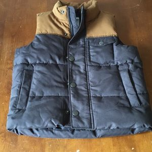 Old Navy XS size 5 puffer vest Brown Gray
